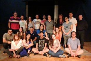 Una comedia inmortal - Teatro de la Barca es una propuesta de la Arquidiócesis de Santa Fe de la Vera Cruz que, desde 2013 tiene como fin principal el desarrollo de la actividad teatral inspirada en la espiritualidad y antropología católicas. -