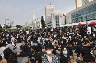 Estudiantes de China continental fueron evacuados de una universidad hongkonesa