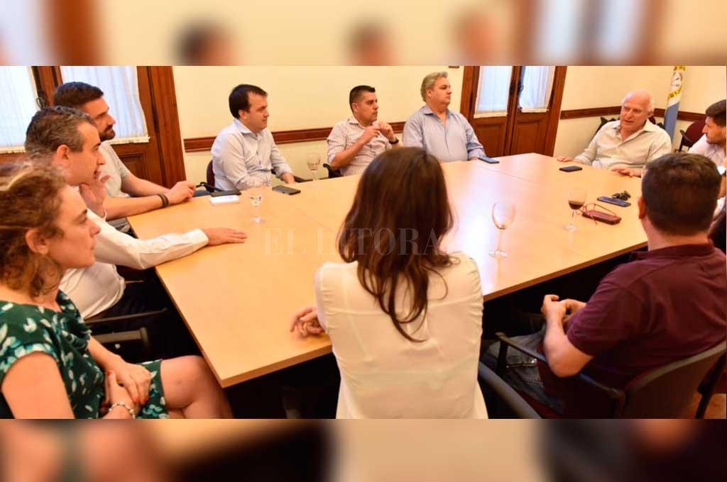 Reunión de dirigentes del Frente Progresista Cívico y Social en Rosario, este miércoles porla tarde <strong>Foto:</strong> Gentileza