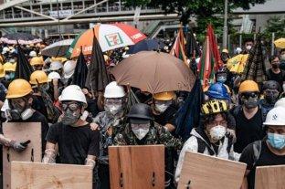 Policía de Hong Kong advierte que protestas están fuera de control