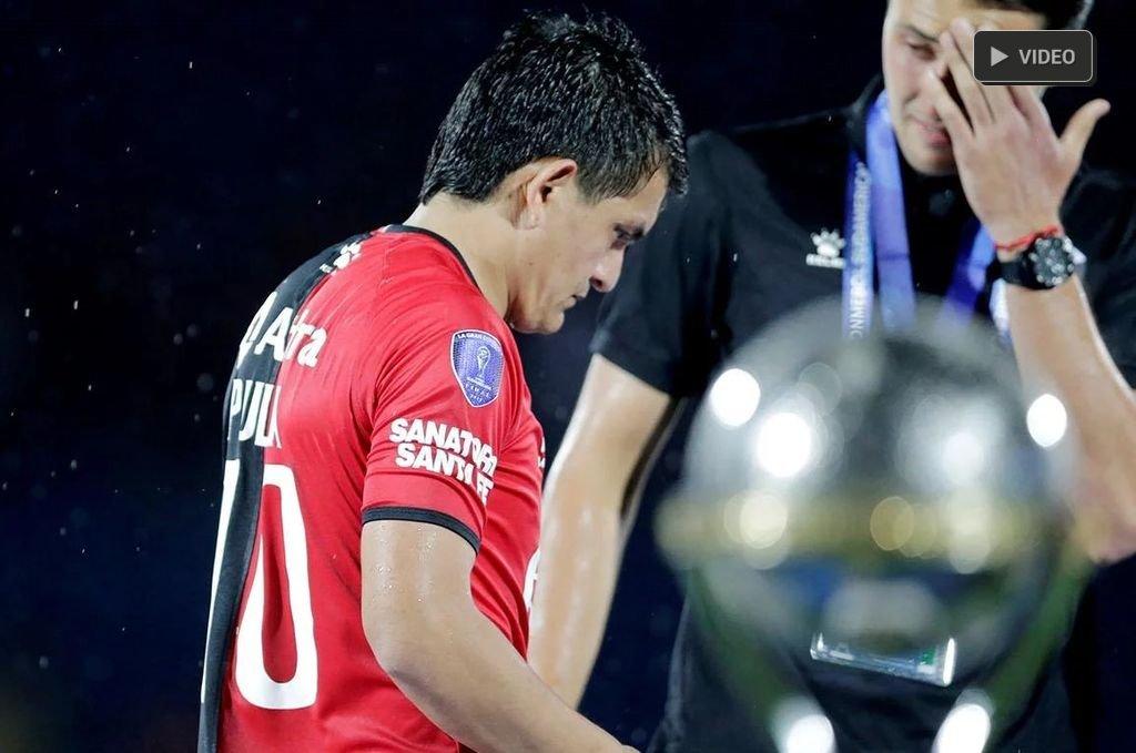 Exclusivo: Colón pide los premios y la Copa  -  -