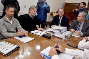 El equipo de Perotti pidió información  -  -