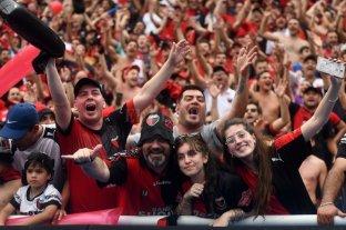 ¿Fuiste a Paraguay?, encontrate en las fotos de la tribuna -