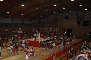 Vuelve el clásico festival de boxeo a Colón - Vuelta a la acción. El Gimnasio Roque Otrino del Club Atlético Colón tendrá boxeo nuevamente; será este sábado a partir de las 22.  -