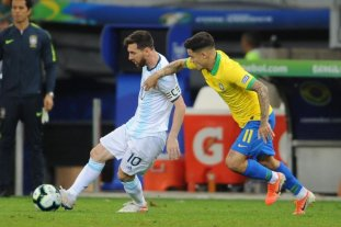 Con la vuelta de Messi, Argentina enfrenta a Brasil