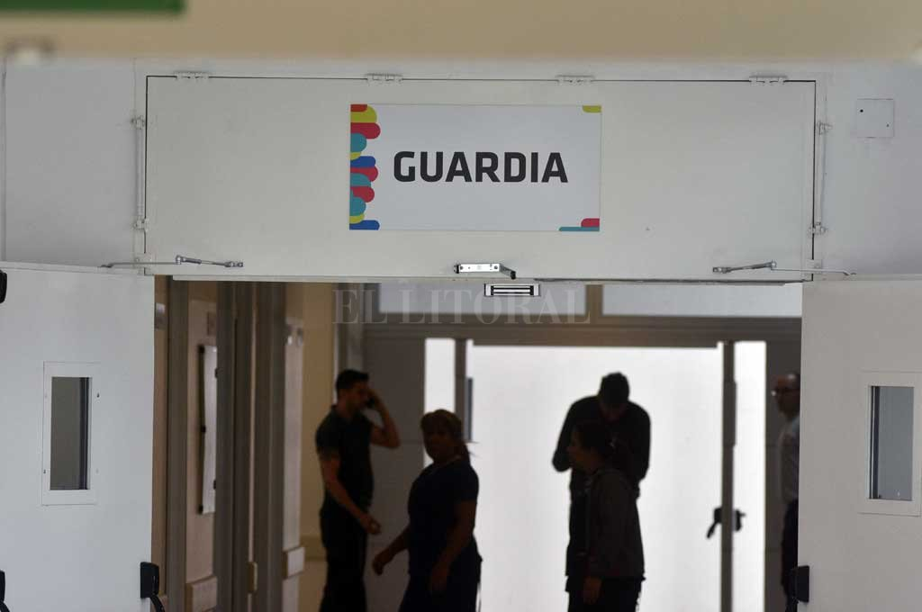 El hombre herido se presentó en el nuevo hospital Iturraspe pero se resistió a recibir la atención de rigor. Crédito: Mauricio Garín