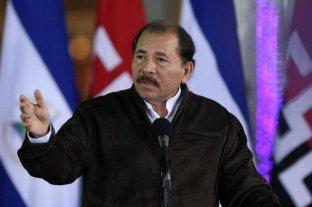 El presidente nicaraguense alerta que la salida de Morales abre el camino para retomar las armas