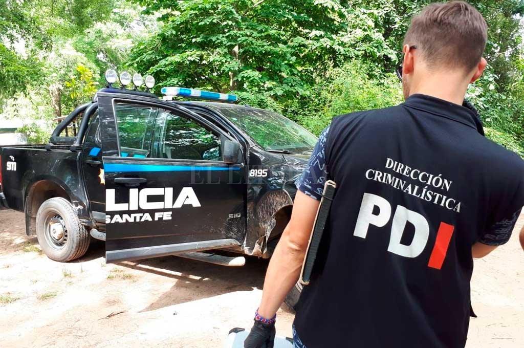 Peritos de la PDI inspeccionaron el lugar en busca de algún indicio que conduzca a los asesinos  <strong>Foto:</strong> Danilo Chiapello