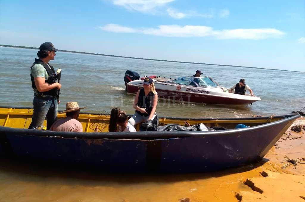 Prefectura Naval incautó 160 kilos de marihuana a bordo de una canoa de pescadores artesanales, mientras navegaban por el río Paraná, el pasado 10 de octubre. <strong>Foto:</strong> Archivo El Litoral