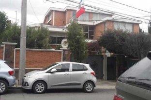 Unos 30 funcionarios del gobierno de Evo se refugian en la embajada de México