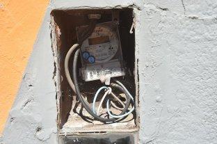Rosario: lo imputan por 17 casos de estafa agravada por adulterar medidores de energía y gas
