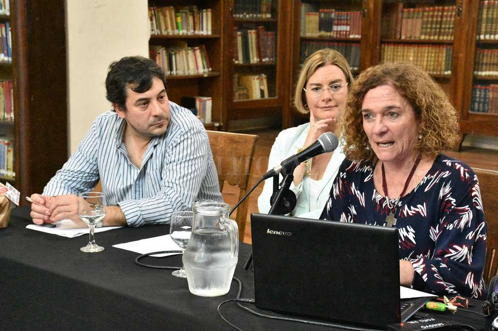 Escobar, Costa y Pacífico abordaron un período fundamental para la constitución identitaria de la UNL. Crédito: Luis Cetraro