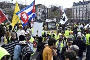 """Francia: al menos 16 detenidos al cumplirse el primer aniversario de los """"chalecos amarillos"""""""
