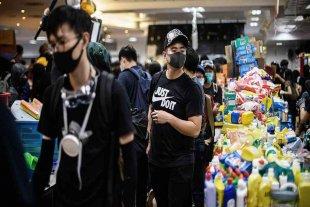 Manifestantes liberan casi todas las universidades tomadas en Hong Kong