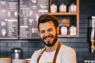 El 47% de los jóvenes argentinos considera que su trabajo ideal sería alcanzar el negocio propio -  -