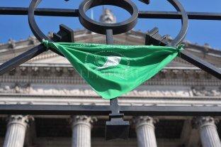 Tras la polémica, el Gobierno revocó la actualización del protocolo de aborto no punible -  -
