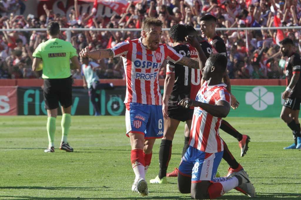 Botinelli es pilar de la defensa tatengue junto a Gómez Andrade <strong>Foto:</strong> Archivo El Litoral