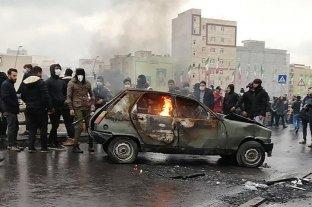 Irán: más de un centenar de muertos en las protestas por la suba de combustibles