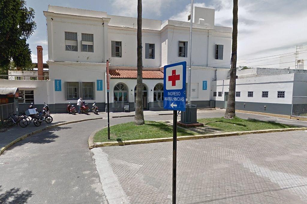 Martín Cabrera, hermano de la acusada, fue ultimado a balazos. Había sido trasladado de urgencia al Hospital Roque Sáenz peña. Crédito: Captura digital - Google Maps Streetview