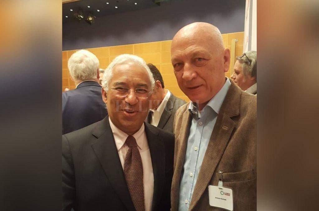 Antonio Bonfatti junto al primer ministro de Portugal, António Costa. Crédito: Gentileza