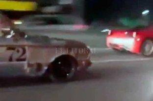 Video: un Falcón le corrió una picada a una Ferrari y se convirtió en viral