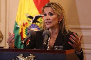 """Añez convocará a elecciones en Bolivia """"si Dios lo permite"""""""