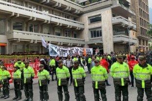 """Colombia revive el fantasma de las autodefensas tras la creación de grupos """"antidisturbios"""""""