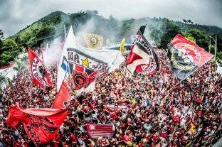 Una multitud colmó las calles de Río de Janeiro para despedir a Flamengo