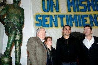 Jorge Ameal felicitó a Riquelme y le dio la bienvenida a su lista