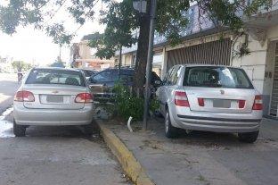 Ni parada de colectivos, ni vereda: estacionamiento privado -  -
