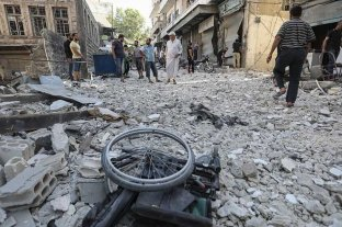 Un ataque a un campo de desplazados en Siria deja 15 muertos, entre ellos seis niños
