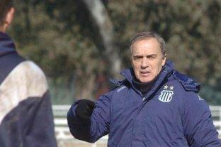 """El plantel de Argentinos fue visitado por el """"Sapo"""" Saporiti"""