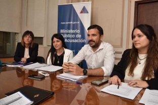 De la construcción del dato a la  elaboración de un protocolo propio - El director de Política Criminal del MPA, Augusto Montero, junto a su equipo de trabajo conformado por Mariel Tocci, Lucía Ríos y Angelina Solari (de izq. a der.) -
