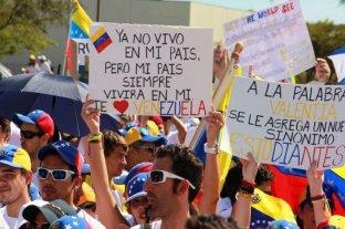 Estudiantes universitarios marcharon a favor y en contra del chavismo en Venezuela