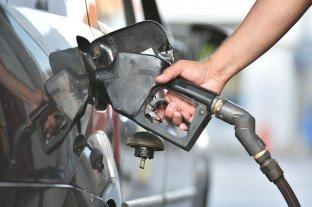 El gobierno autorizará un incremento del 5% de los combustibles a partir del 1° de diciembre -  -