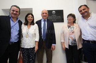 Perotti empezará con un gabinete de 12 ministerios y una secretaría de Estado