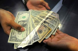 Más de 2.500.000 de argentinos compraron dólares para atesoramiento o viajes en octubre