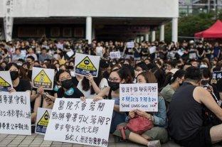 La Justicia de Hong Kong repone la ley que prohíbe las máscaras en las protestas
