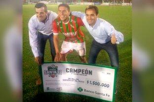 Banco Santa Fe premió a Sportivo Las Parejas, campeón de la Copa Santa Fe