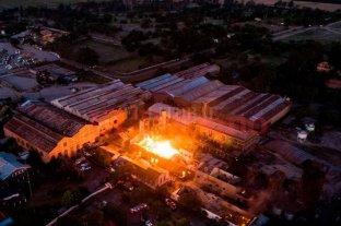 Hallaron otros dos cuerpos en la destilería incendiada en Jujuy