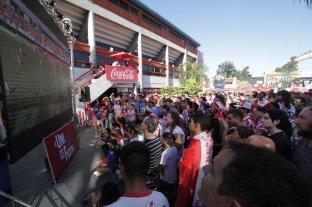 """Los hinchas tatengues estrenaron el """"Unión Fan Fest"""""""