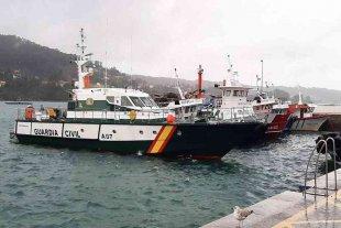Dos detenidos en el primer narcosubmarino detectado en Europa con 3.000 kilos de cocaína