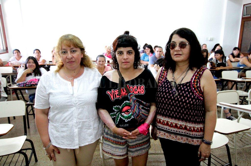 Presentes. Melisa Noguera, Bernarda Massolo y Silvia Castillo (izq. a der.), narraron sus experiencias de sobrevivencia y lucha. Crédito: Pablo Aguirre.