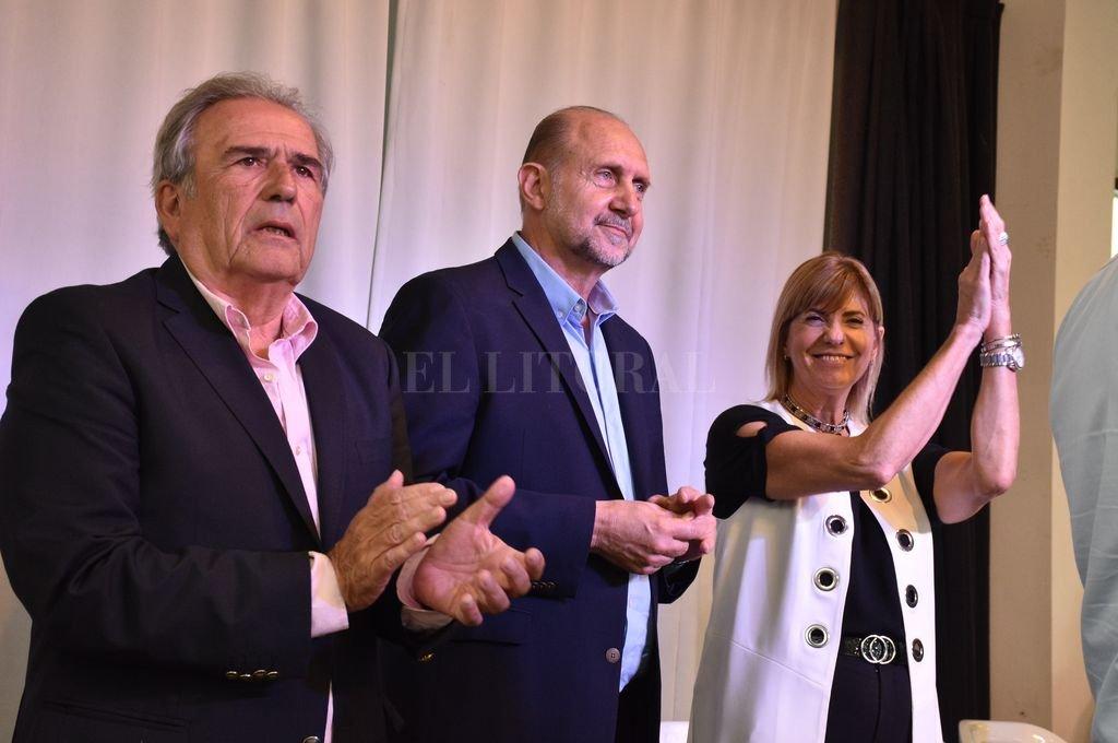 Ricardo Olivera, Omar Perotti y Alejandra Rodenas. <strong>Foto:</strong> Guillermo Di Salvatore