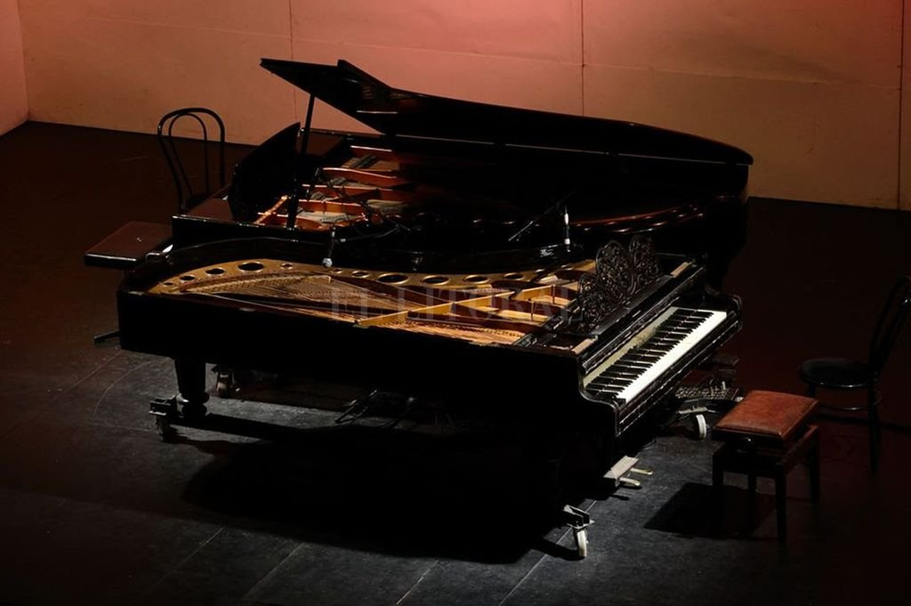 Desde 2015, un grupo de pianistas independientes, todos relacionados con el Instituto Superior de Música de nuestra ciudad, que buscan difundir la música americana adaptada para ser interpretada a dos pianos. <strong>Foto:</strong> Gentileza organizadores