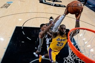 Los Lakers sumaron su octavo triunfo consecutivo