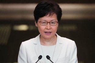 Gobernadora de Hong Kong pide mantener la paz para retomar el diálogo con la oposición