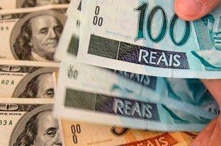 El real se devalúa al récord de 4,25 por dólar