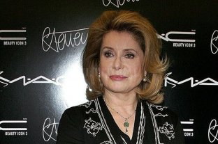 Internaron a Catherine Deneuve.