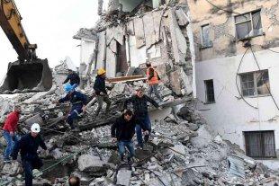 Ascienden a 30 los muertos por el terremoto en Albania